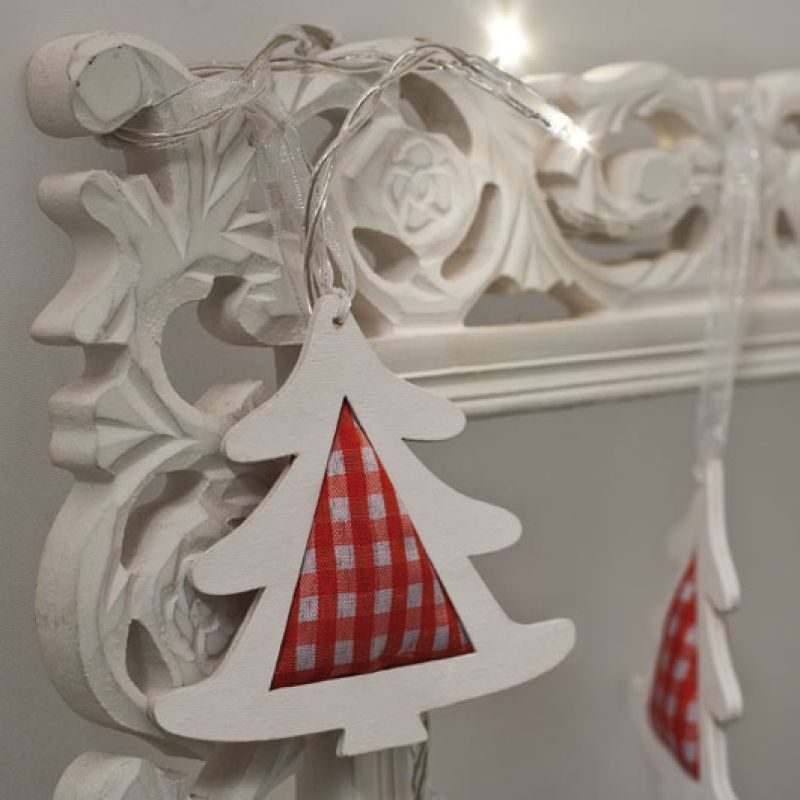 Hellum led minilichterkette tannenb ume holz 8 leds for Weihnachtslichterketten innen